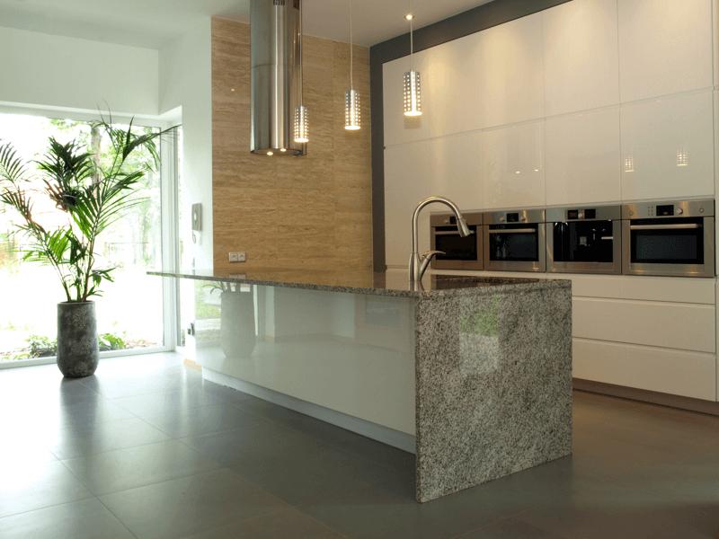 Mesones de cocina islas salpicaderos y pisos en granito - Encimeras de marmol para cocinas ...